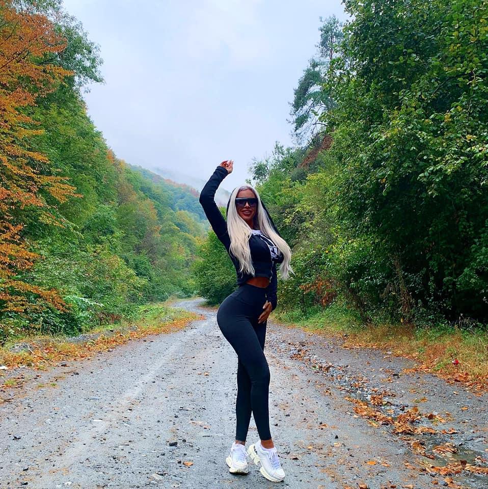 Cum a ajuns Loredana Chivu bombă sexy. Ce ascunde fundul ei bombat
