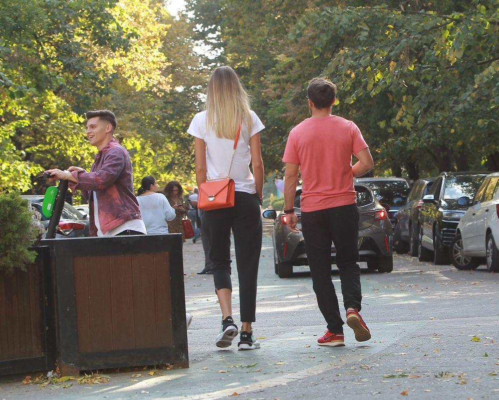 Dani Oțil nu se ridică (fizic) la înălțimea iubitei! Filmări super-tari