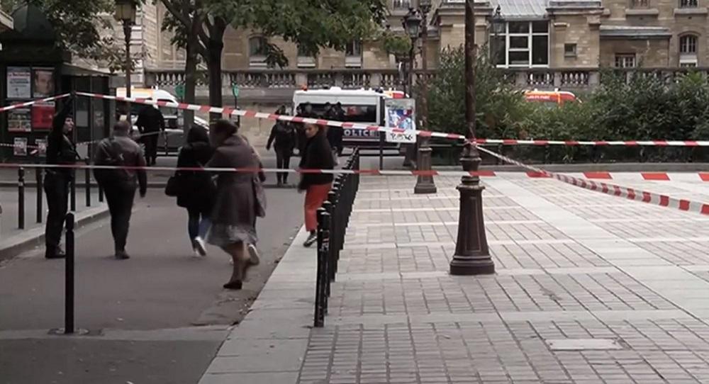 Atac sângeros în sediul central al poliţiei din Paris. Bilanțul morților și cine este autorul masacrului