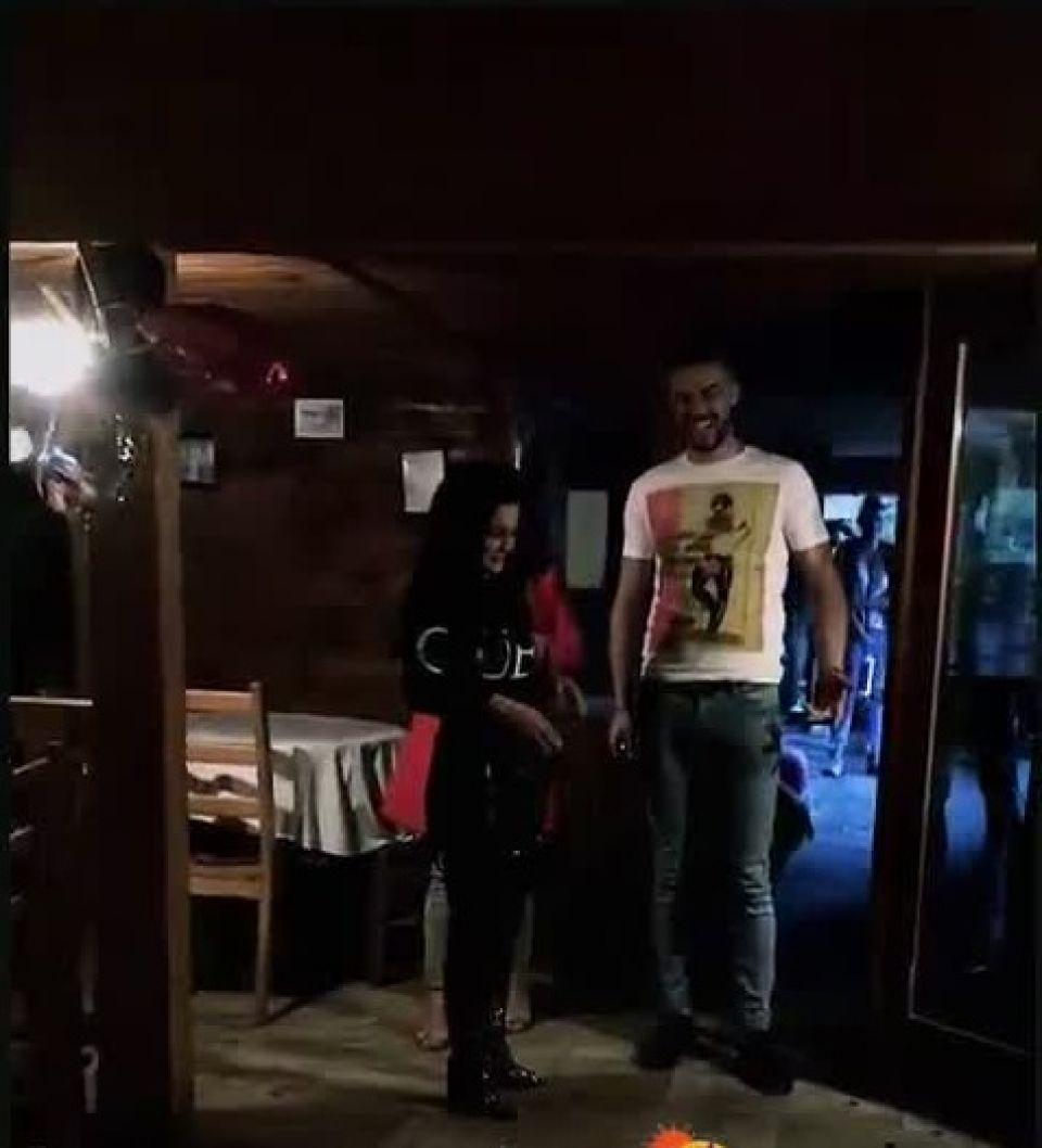 Carmen de la Sălciua, fotografiată în tandrețuri cu artistul Culiță Sterp. Nu mai pot nega că nu s-au împăcat