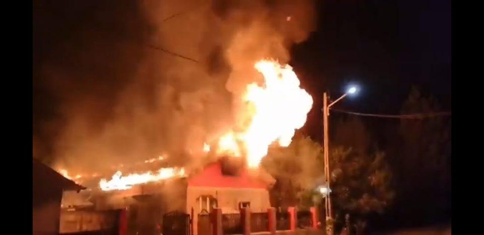Pompierii și voluntarii din Teleorman construiesc locuința unei fetițe