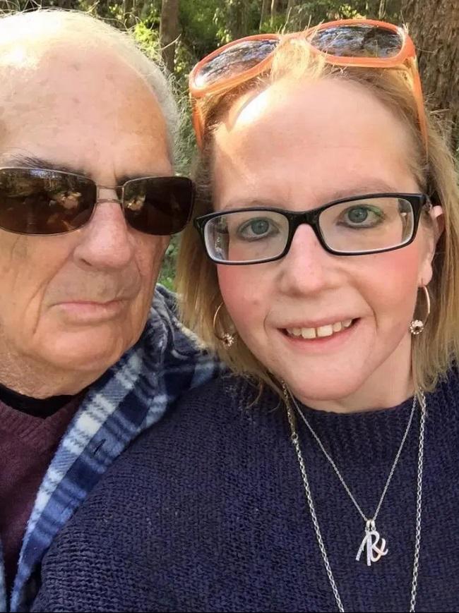 """Povestea de iubire care a făcut înconjurul lumii. Ea are 33 de ani, iar el, 73 și s-au logodit: """"Aș fi extaziată să rămân însărcinată"""""""