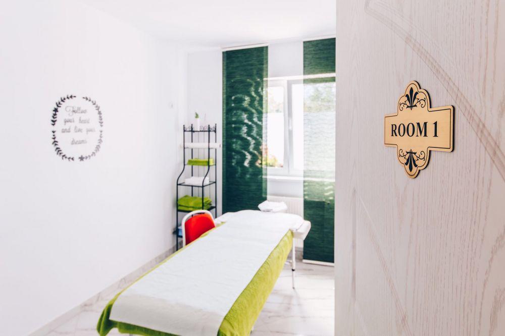 YOUness Clinic – concept unic în România, unde oamenii se pot relaxa și vindeca de anumite boli prin terapii alternative